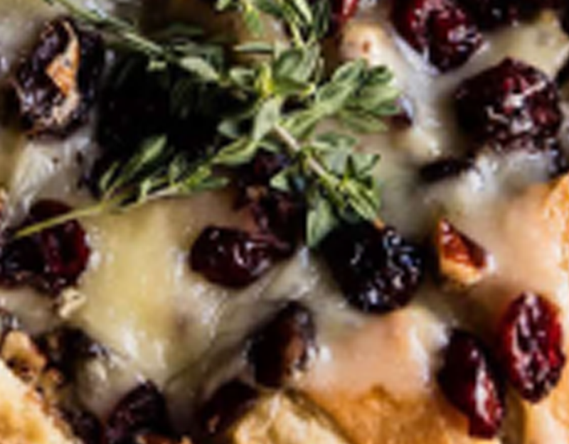 Cranberry-Brie-Pull-Apart-Bread-Recipe---Layla's-Garlic-Whip